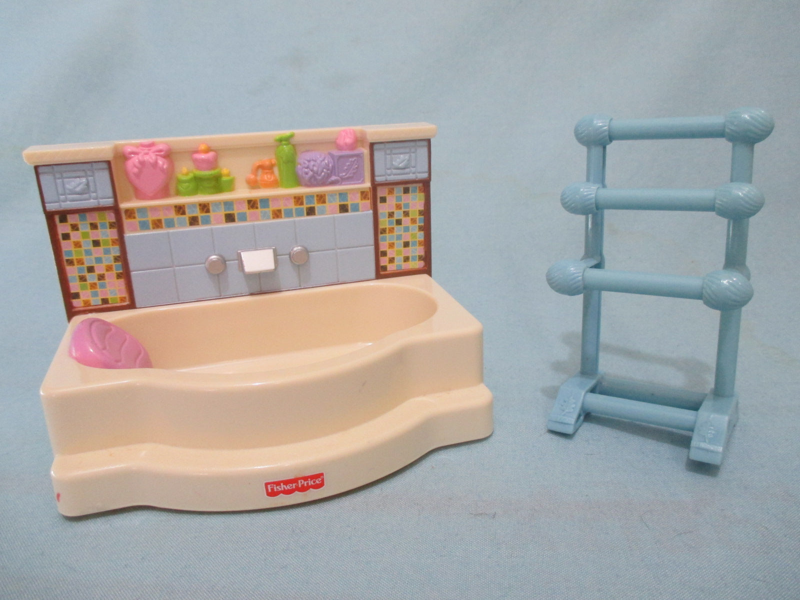 Fisher Price Loving Family Dollhouse Bathroom Set Bathtub And Towel ...