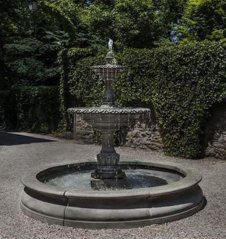 Superbe Campania International Charleston Garden Fountain