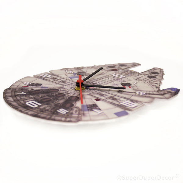 Millenium Falcon - wall clock