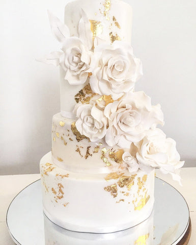 WHITE AND GOLD SUGAR FLOWER WEDDING CAKE