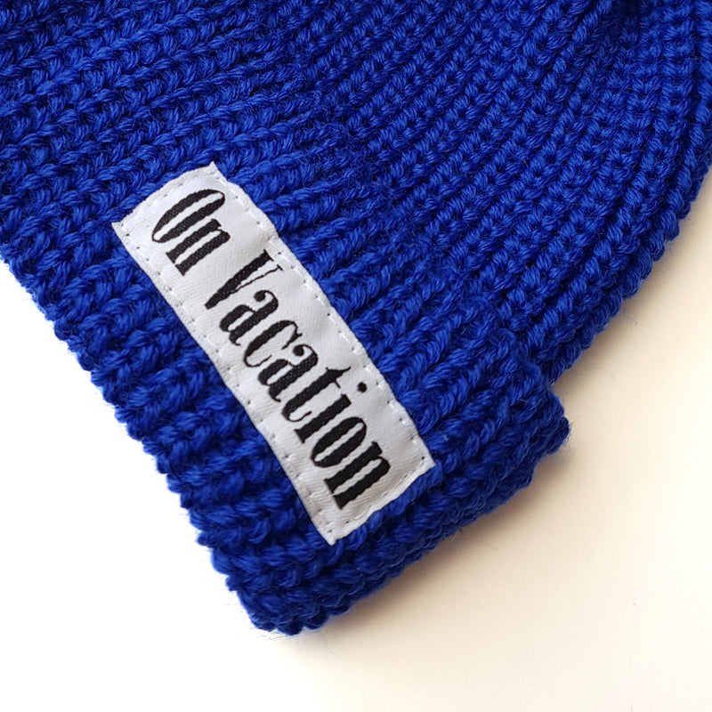 Short Wool Beanie On Vacation - Royal