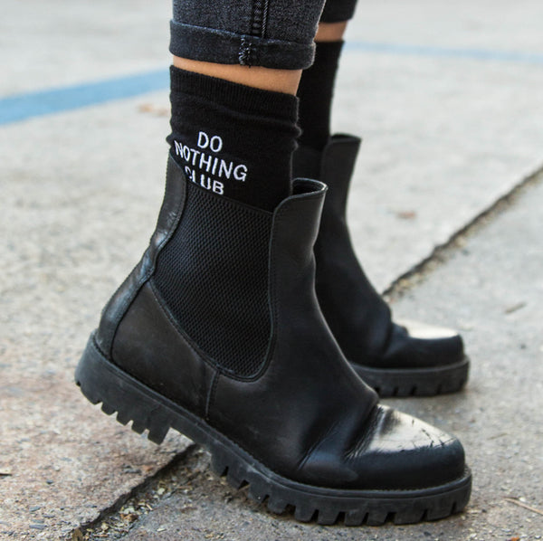 Do Nothing Club Socks Black