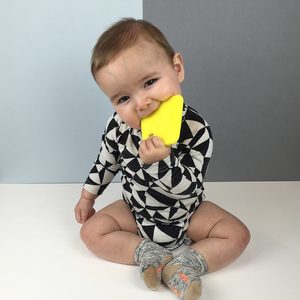 Neon yellow, teether, teething ring, teething jewellery, stylish, BPA free, food grade, nursery inspiration, baby shower gift, stylish mummy, stylish baby, cute baby,