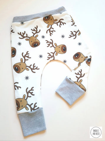 Baggies-White Reindeer Print - Snuggles and Kisses