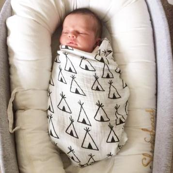 Large Muslin Swaddle Blanket - Teepee Design