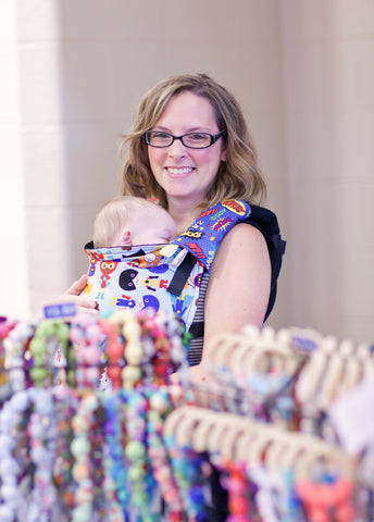 mompreneur of teething necklaces