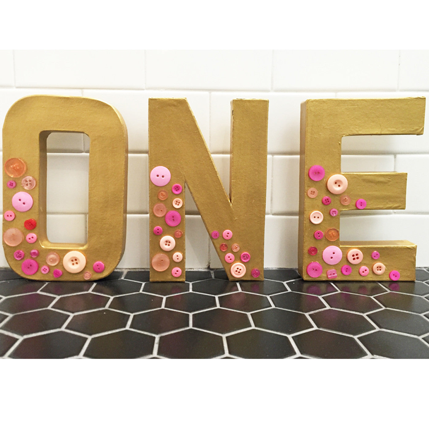 Cute As A Button ONE Table Decoration PartyAtYourDoor - Oen table