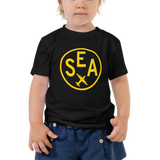 RWY23 - SEA Seattle T-Shirt - Airport Code and Vintage Roundel Design - Toddler - Black - Gift for Grandchild or Grandchildren