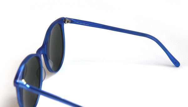 991f60bfa ... Vintage RAYBAN Sunglasses Oversized Wayfarer Bausch and Lomb Round Lens  in Electric Blue with Smoke Glass ...