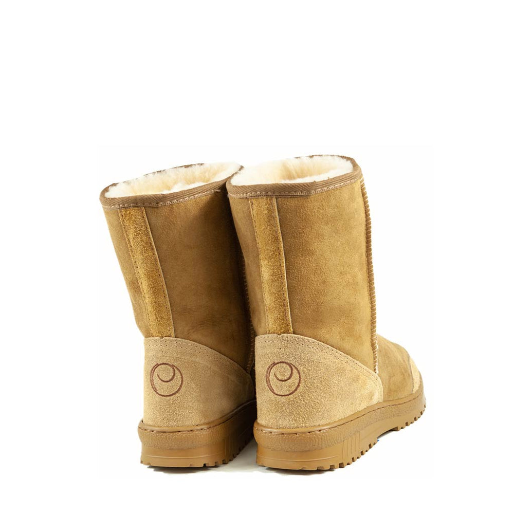Load image into Gallery viewer, WANDER MID CARAMEL MENS BACK - PURE OZ AUSTRALIAN MADE SHEEPSKIN UGG BOOT