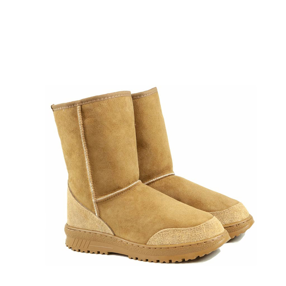Load image into Gallery viewer, WANDER MID CARAMEL MENS PAIR - PURE OZ AUSTRALIAN MADE SHEEPSKIN UGG BOOT