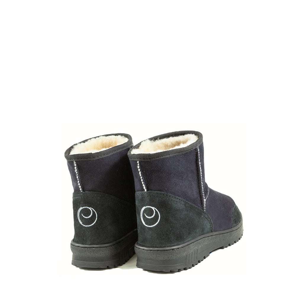 WANDER MINI BLACK BACK - PURE OZ AUSTRALIAN MADE SHEEPSKIN UGG BOOT
