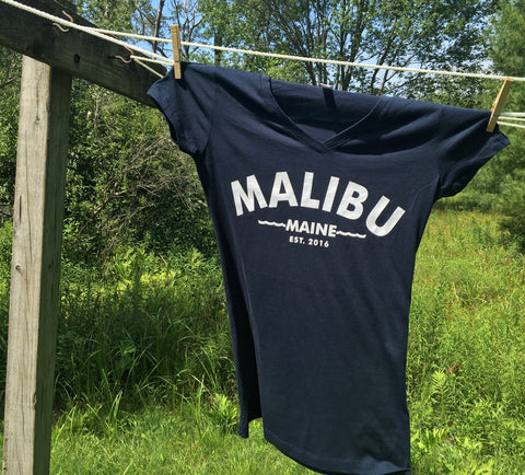 Malibu Maine established 2016 women's v-neck t-shirt navy blue