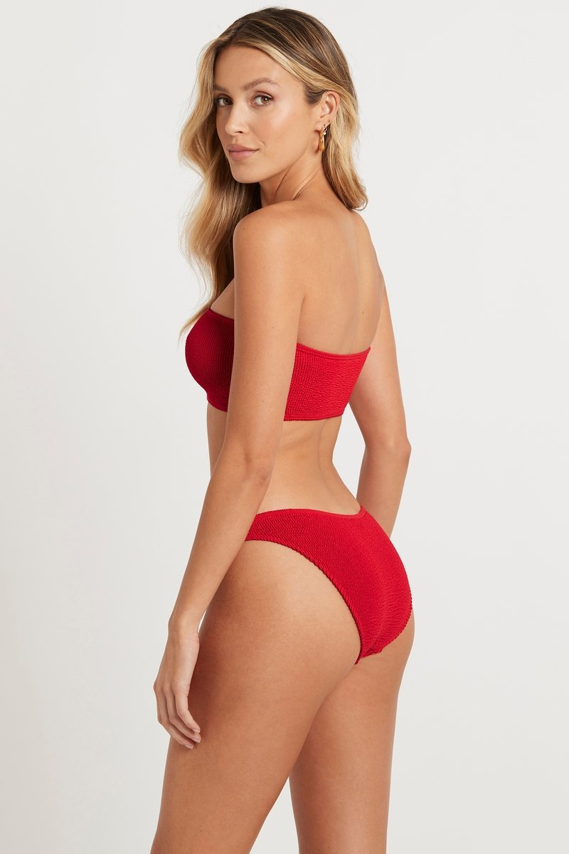 The Sierra Top Baywatch Red
