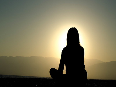 5 Ways Meditation Benefits Companies & Individuals