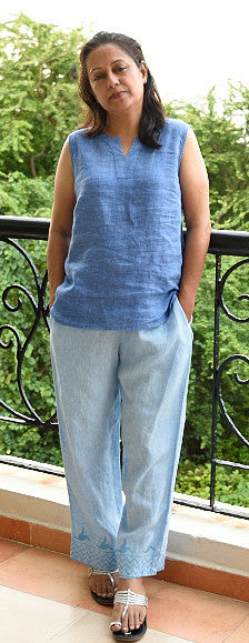 PURE LINEN CAPRI PANT IN LIGHT BLUE WITH KINGFISHER BORDER