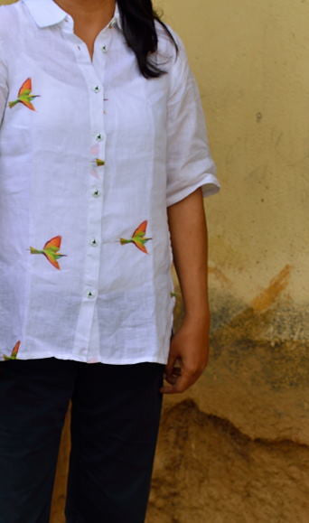 PURE LINEN TOP FOR WOMEN - BEE EATER IN FLIGHT