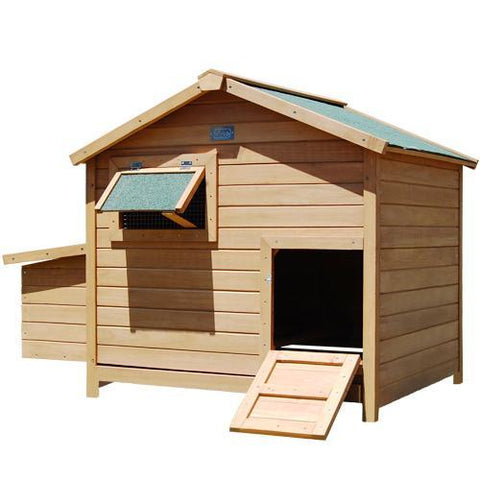 Deluxe Roomy Chicken Coop