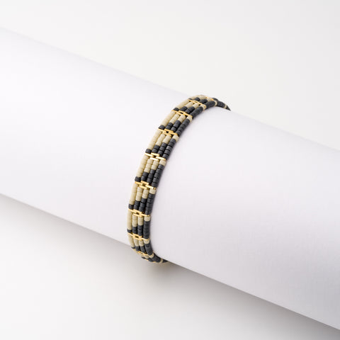 KEEP IT SIMPLE - Wide Patterned Bracelet - Gold & Grey/stone
