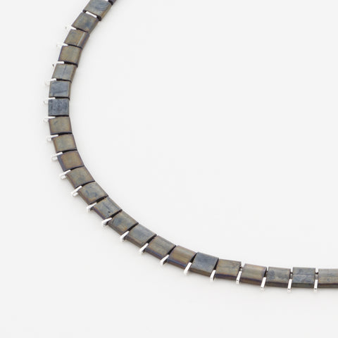 KIS/ Short Necklace, Silver & Grey