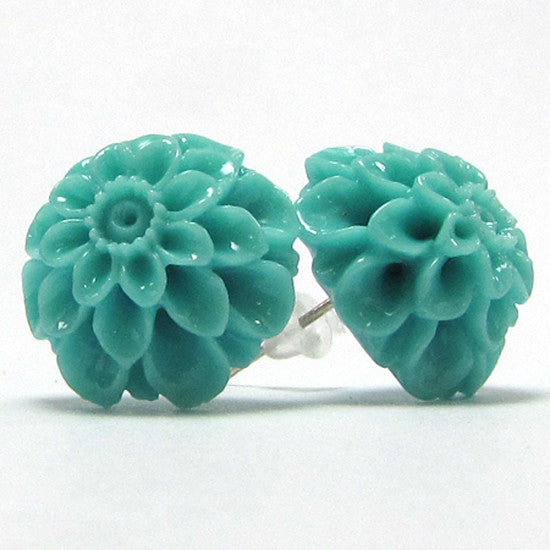 17mm synthetic coral carved chrysanthemum flower earring pair green
