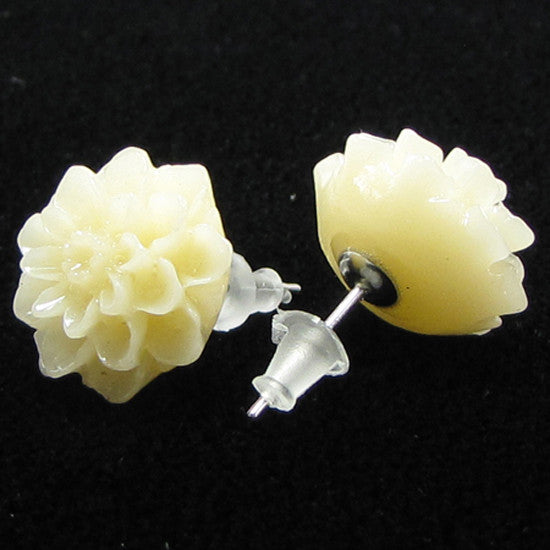 13mm synthetic coral carved chrysanthemum flower earring pair cream