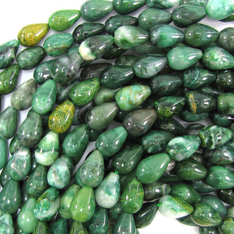 30x40mm faceted emerald green jade ladder bead pendant