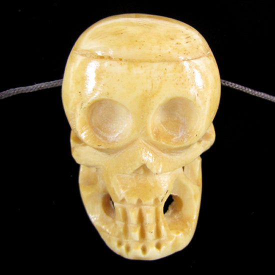 2 pieces 37mm bone carved skull pendant beads