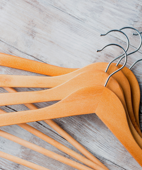 The Advantages of Luxury Wooden Hangers: Explained