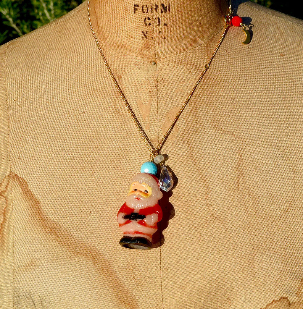"""Simple Santa"" -10 Vintage Necklace"