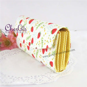 "Accordion Organiser for ""ang baos"" / vouchers - Strawberries"