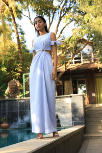 Ice blue dress with buckle at the waist and elasticated sleeves