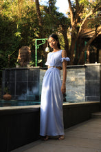 Load image into Gallery viewer, Ice blue dress with buckle at the waist and elasticated sleeves