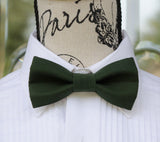 Hunter Green mens bow tie for weddings, prom, graduation and formal events. Bow ties are handmade, pretied and made in Canada. Made by Mr. Bow Tie.
