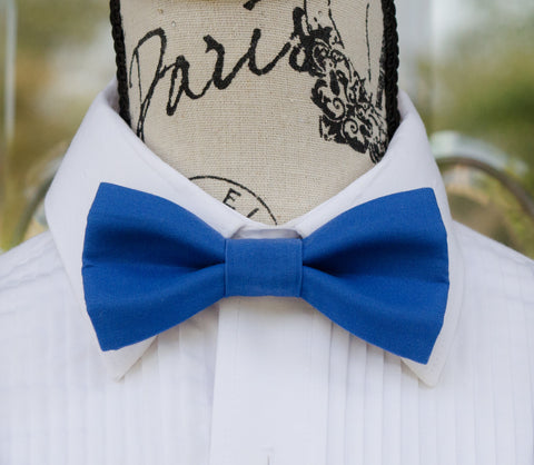 Regatta Royal Blue mens bow tie for weddings, prom, graduation and formal events. Bow ties are handmade, pretied and made in Canada. Made by Mr. Bow Tie.