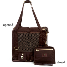 Pet wristlet carrier opened and closed view