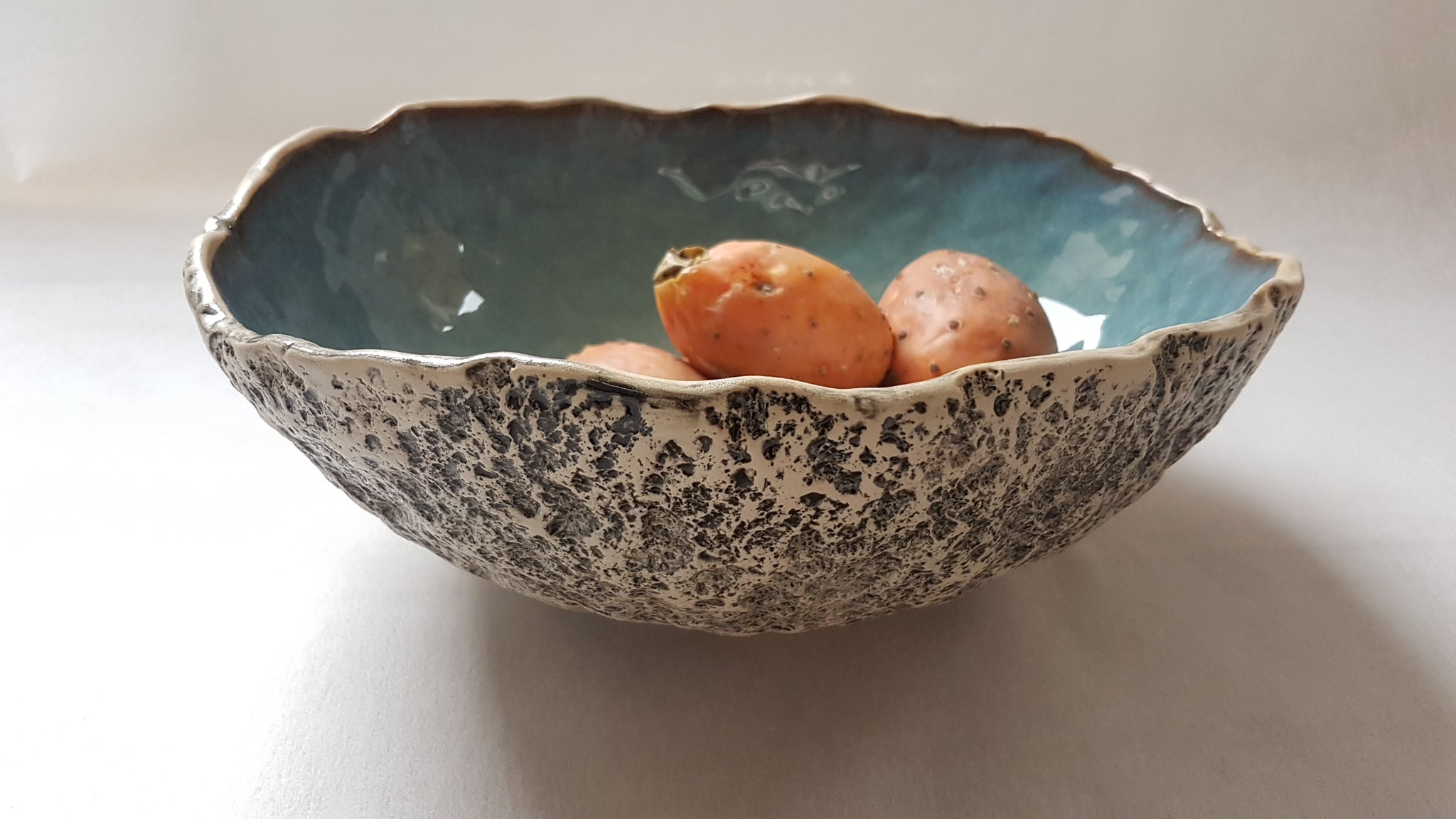 Ceramic decorative bowl