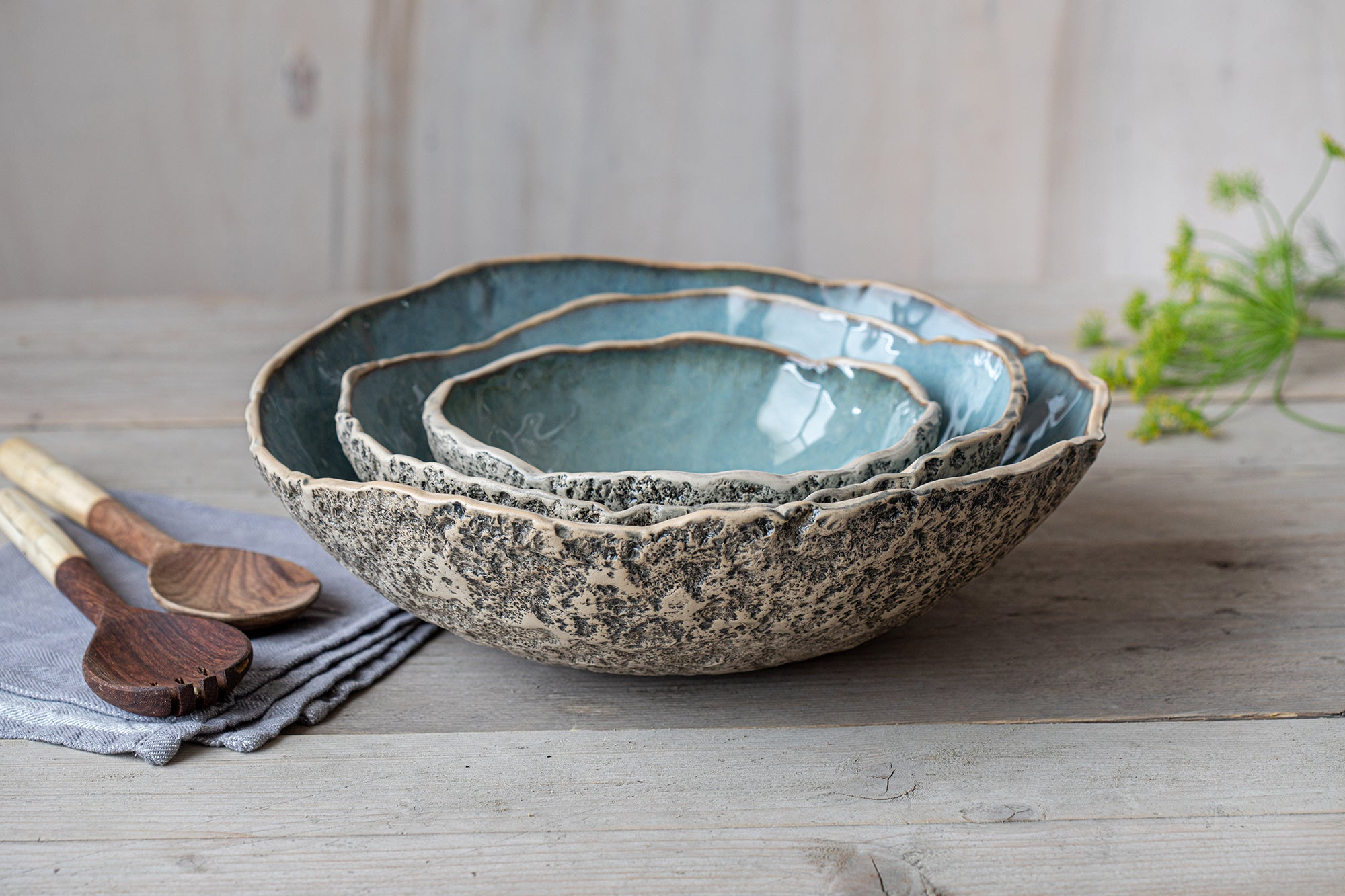 Large nesting bowl set