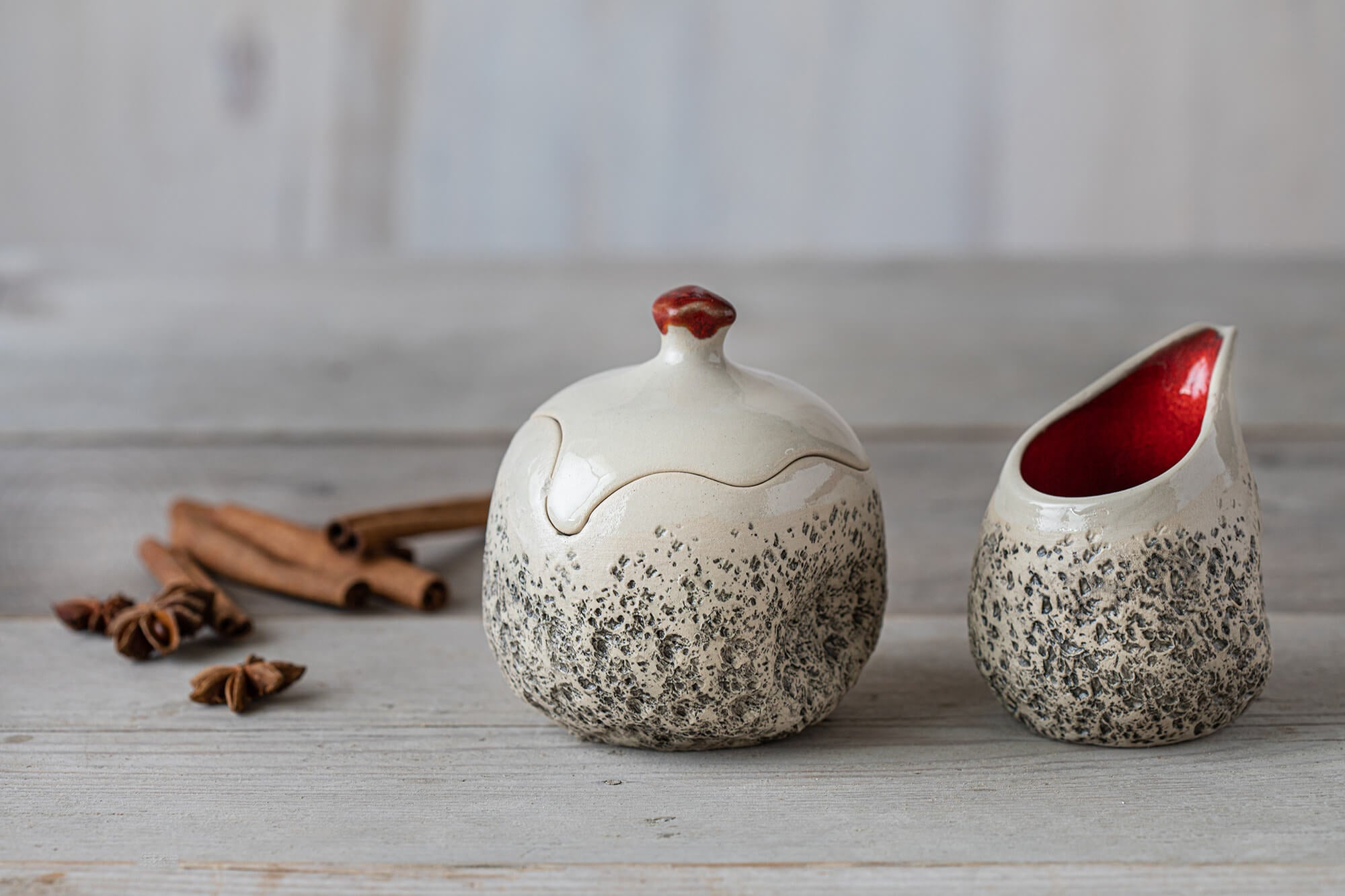 Ceramic Sugar Pot and Milk Jug Set