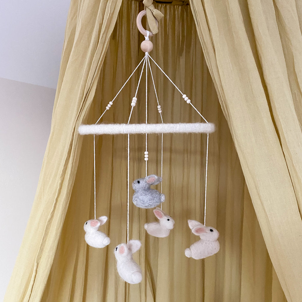 Baby mobile for nursery room - bunny mobile - Umbrella Amarela