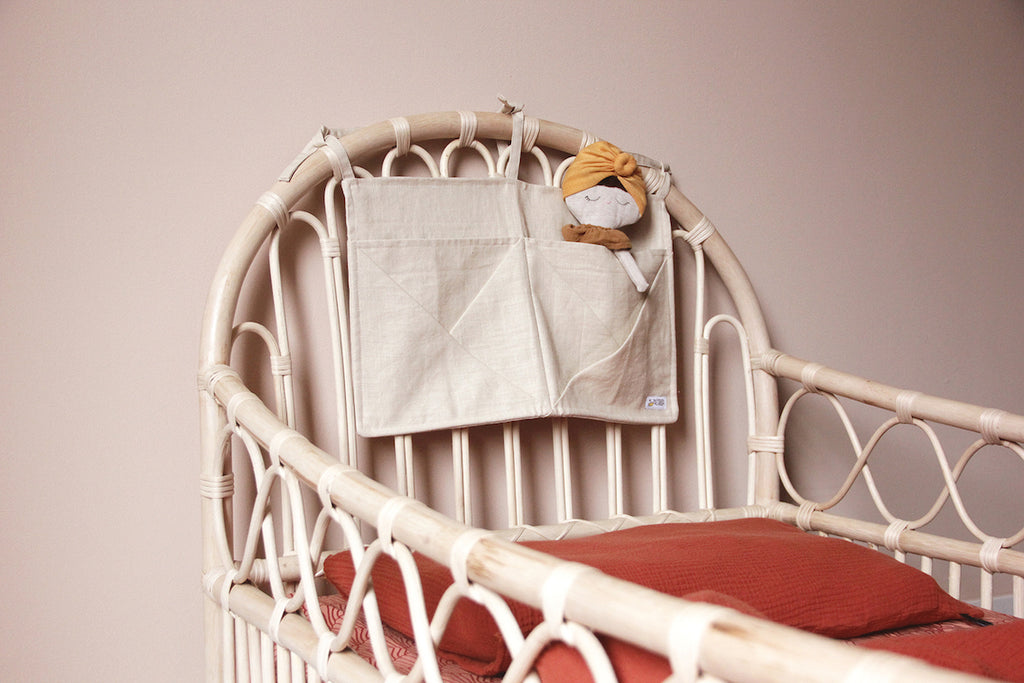Linen pocket Crib and Bed Organizer