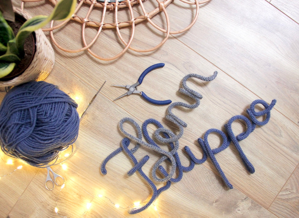 Knitted Sign / Name / Tricoting / Newborn Gift