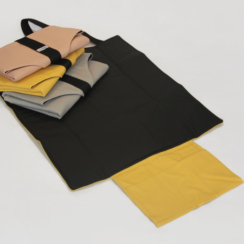 Waterproof portable changing mat with storage - mustard - Umbrella Amarela