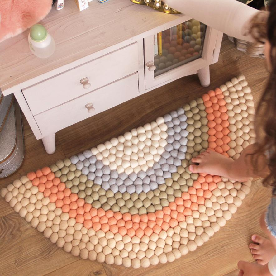 Rainbow Felt Ball Rug - Beige - Small - Umbrella Amarela
