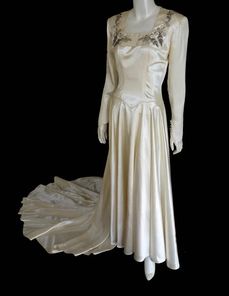 1940s vintage wedding gown