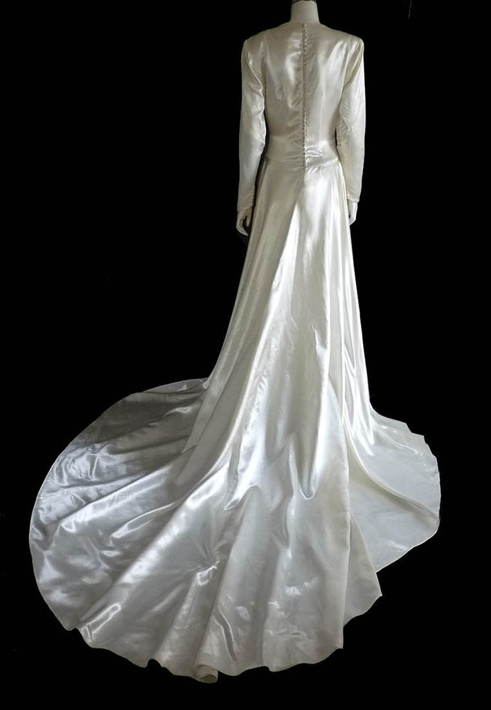 Vintage 1940s Wedding gown Long Sleeve Square neck Beading Long ...
