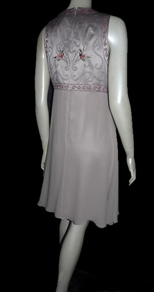 Kay Unger Evening Dress Size 4 Beaded & embroidered bodice Sleeveless knee