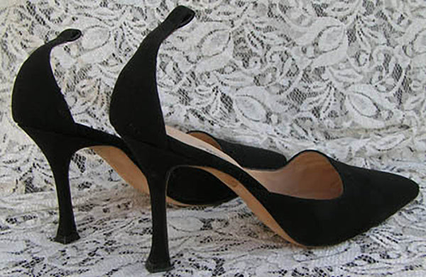MANOLO BLAHNIK  Shoes Black heels Ankle straps US 6 Euro 36