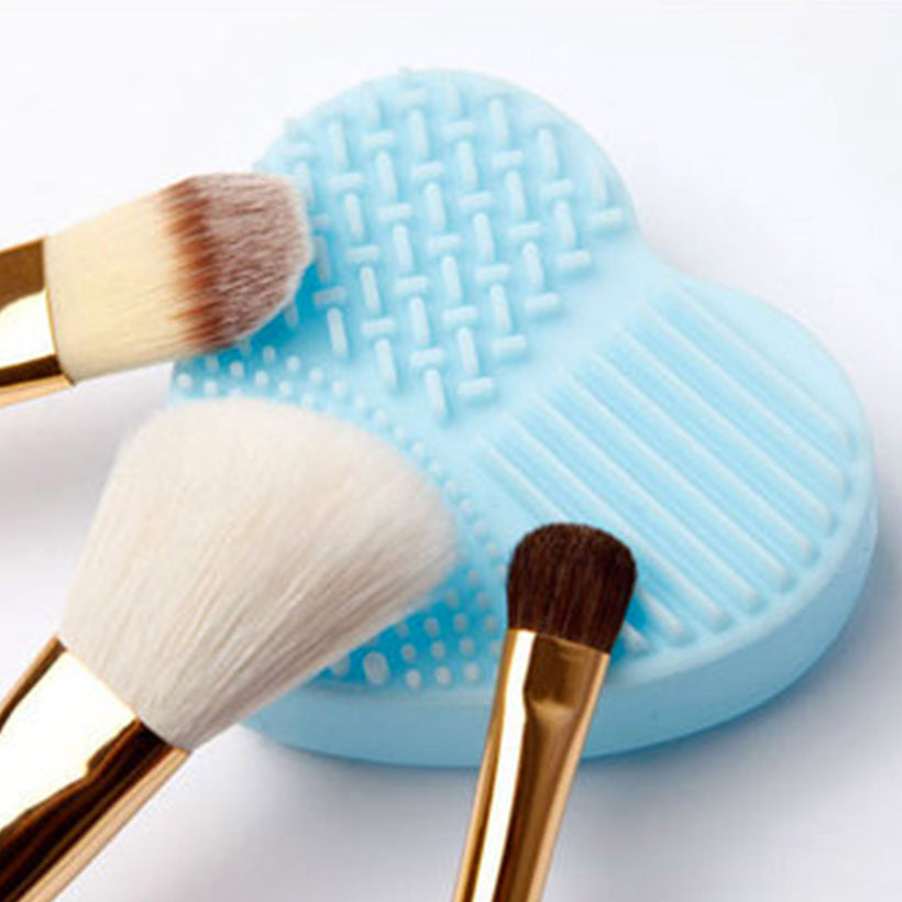 Heart Shape Brush Cleaner in Blue