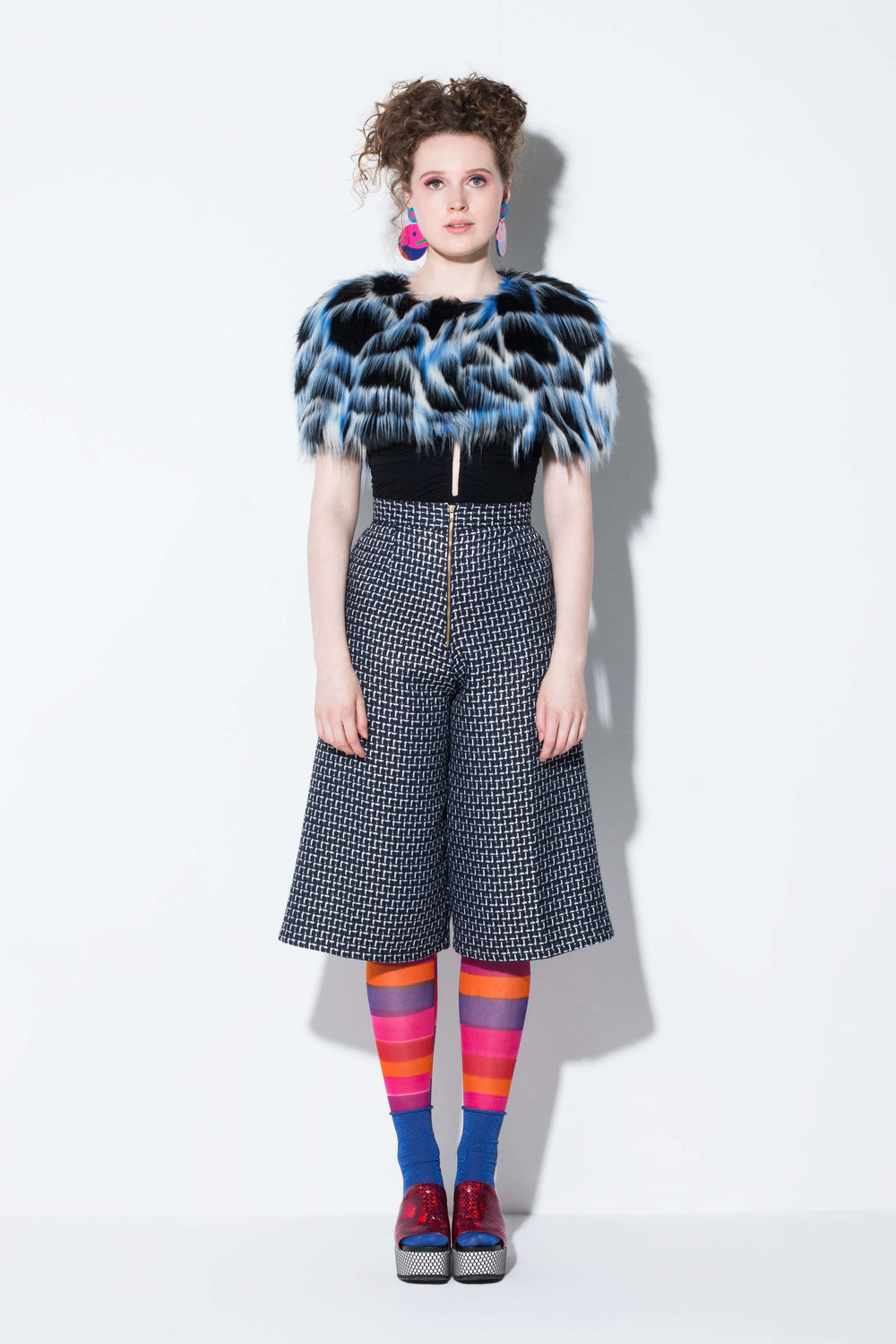 3 seasons| a practical faux fur capelete accessory from jin & yin styled with hand-painted tights